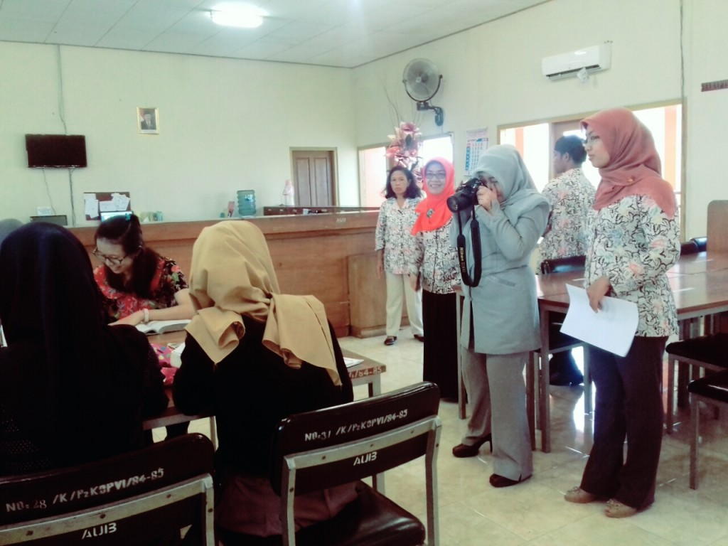 Tinjauan Bank Indonesia ke Perpustakaan STIE AUB Surakarta 2